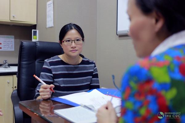 Bệnh viện Thu Cúc có bác sĩ giỏi đến từ Singapore sẽ trực tiếp tư vấn điều trị bệnh hiệu quả cho khách hàng