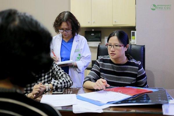 Tại bệnh viện Thu Cúc, người bệnh được điều trị trực tiếp với bác sĩ Singapore TS. BS See Hui Ti - nổi tiếng trong điều trị ung thư vú và các bệnh ung thư phụ khoa