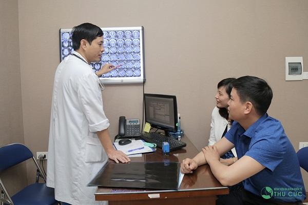 Người bệnh cần đi khám để được chẩn đoán chính xác tình trạng bệnh