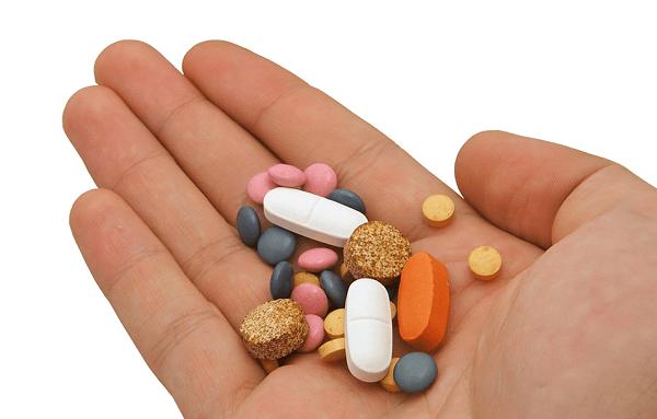 Người bệnh cần đi khám và tuân thủ theo đúng thuốc điều trị của bác sĩ