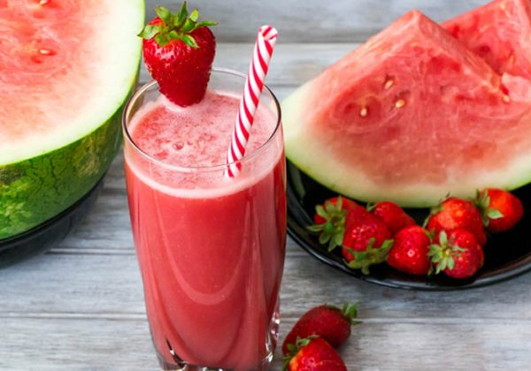 Nước ép trái cây giàu vitamin rất có lợi cho hệ tiêu hóa, nâng cao sức khỏe cho người bệnh