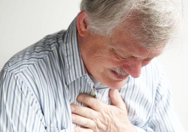 Khó thở là một trong những biểu hiện bệnh xơ phổi điển hình