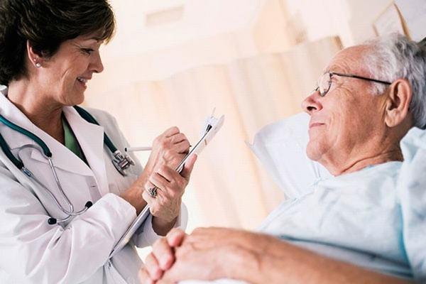 Ngoài việc tuân thủ theo phác đồ điều trị của bác sĩ, người bệnh ung thư gan cũng cần có chế độ chăm sóc đặc biệt để giúp cơ thể nhanh chóng hồi phục sức khỏe.