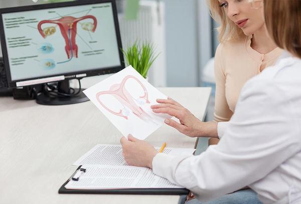 Người bệnh cần tái khám định kỳ theo đúng lịch hẹn của bác sĩ nhằm kiểm tra quá trình hồi phục sức khỏe