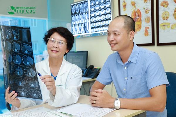 Người bệnh cần tới bệnh viện để bác sĩ thăm khám và tư vấn điều trị sớm bệnh