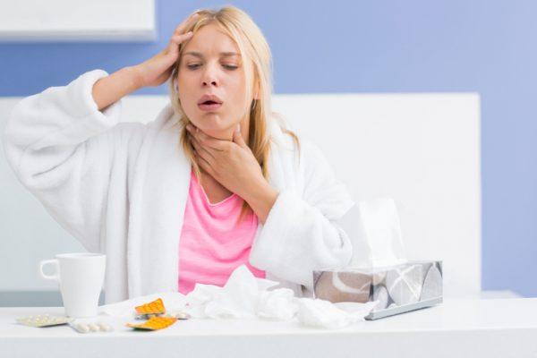 Ho là một trong những triệu chứng thường gặp ở bệnh nhân viêm phổi