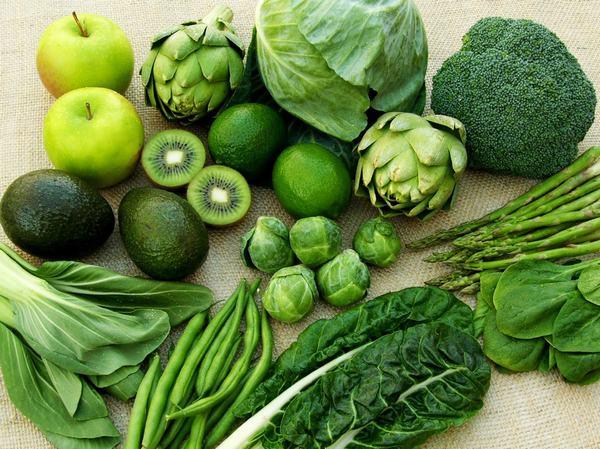 Thường xuyên ăn những loại rau xanh có thể giúp kiểm soát và cải thiện dần tình trạng bệnh.