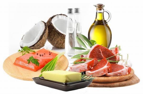 Chất béo lành mạnh thường có trong các loại dầu thực vật như dầu olive, dầu hạt lanh, dầu óc chó... rất tốt cho người bệnh ung thư nói chung và ung thư vú nói riêng.