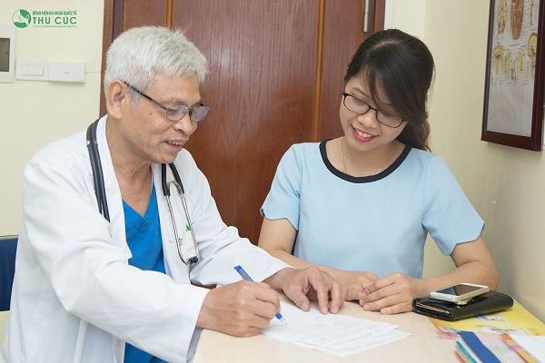 Người bệnh cần tới bệnh viện để bác sĩ thăm khám và tư vấn phương pháp nội soi không đau, an toàn