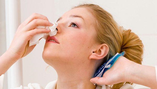 Ung thư vòm họng có nhiều biểu hiện, tác động đến nhiều cơ quan lân cận như mũi, tai...