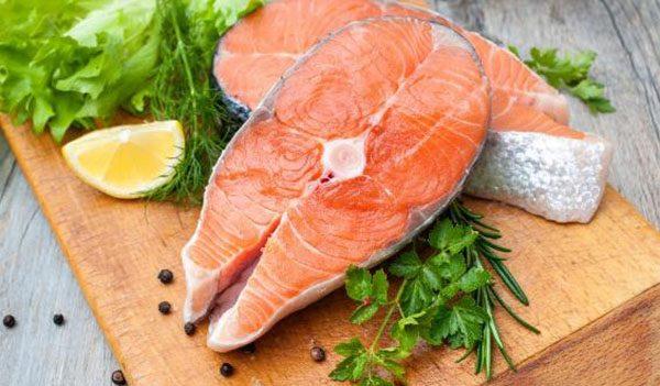 Cá giàu omega – 3, kẽm, vitamin… rất cần thiết cho cơ thể và hoạt động tuyến giáp