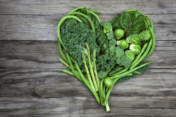 Người bệnh cần bổ sung các loại rau xanh nhằm bổ sung chất xơ có lợi cho cơ thể