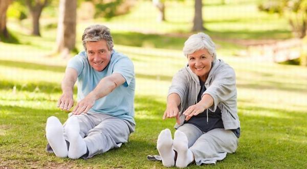 Duy trì vận động hợp lý hàng ngày sẽ giúp cơ thể thoải mái, khỏe khoắn và vui vẻ hơn
