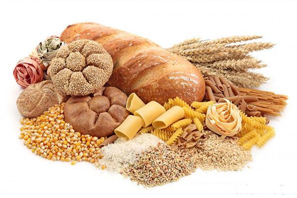 Trước khi phẫu thuật ung thư dạ dày người bệnh cần tránh ăn những thực phẩm giàu tinh bột