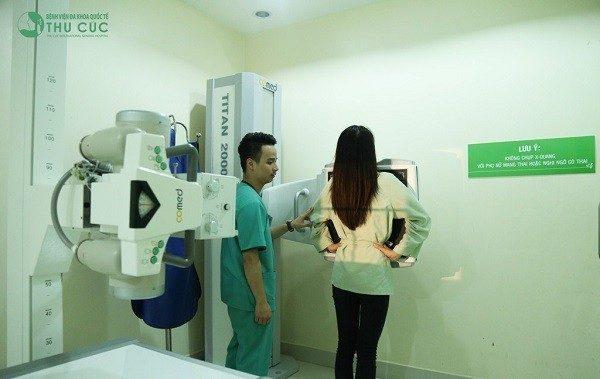Ngay khi thấy triệu chứng bất thường liên quan đến tràn dịch màng phổi như đau tức ngực, ho dài ngày... bạn cần đến bệnh viện để được kiểm tra và chẩn đoán chính xác tình trạng bệnh