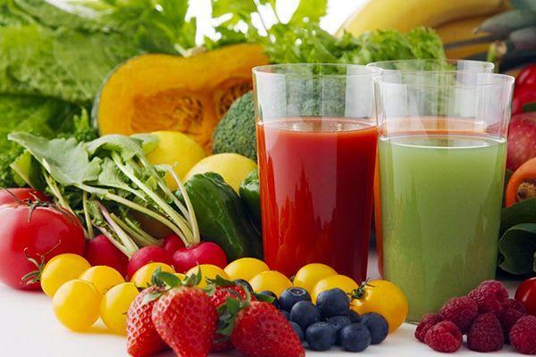 Người bệnh cũng nên ăn nhiều rau củ quả nhằm tăng cường chất xơ và vitamin tốt cho cơ thể