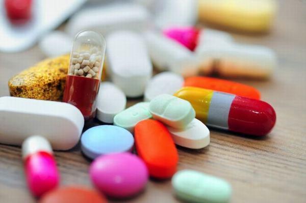 Người bệnh cần dùng thuốc điều trị viêm phổi theo đúng chỉ định của bác sĩ
