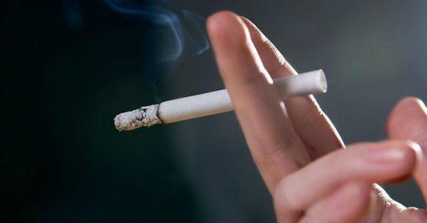 Thuốc lá là nguyên nhân chính liên quan đến khoảng trên 90% ca mắc ung thư phổi và là nguyên nhân gây khoảng 80% ca tử vong do ung thư phổi gây ra