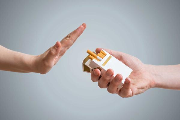 Bệnh xơ phổi khó điều trị khỏi hoàn toàn, để cải thiện sức khỏe cần từ bỏ một số thói quen xấu gây bệnh