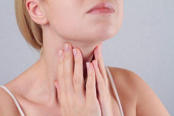 Ung thư tuyến giáp phổ biến ở cả nữ giới trẻ tuổi