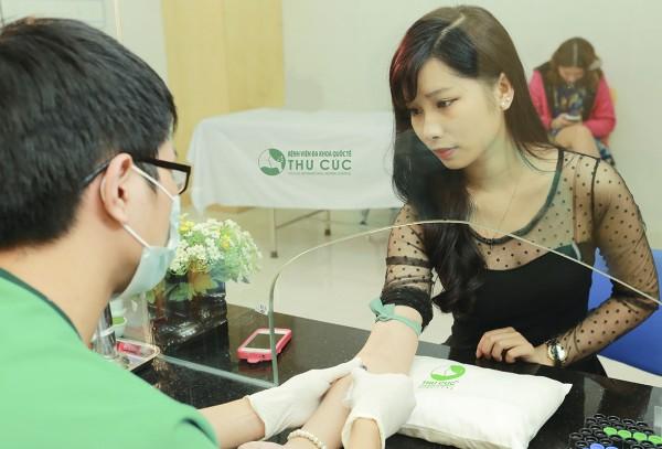 Người bệnh cần làm xét nghiệm máu để biết những chỉ số sức khỏe