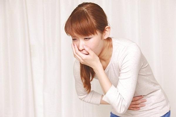 Người bệnh cần đi khám ngay khi thấy xuất hiện các triệu chứng đau dạ dày