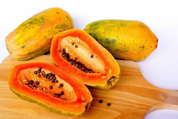 Đu đủ cung cấp các loại vitamin tốt cho sức khỏe như vitamin A, K, C, E; sắt, đồng
