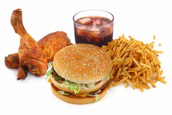 Người bệnh bị ung thư thực quản nên tránh những thực phẩm chiên rán, nhiều dầu mỡ