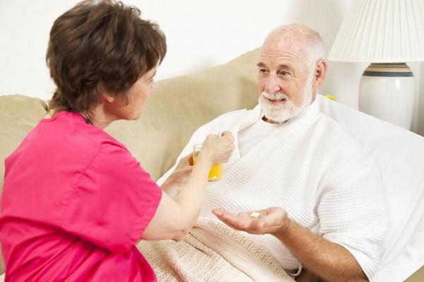 Người bệnh ung thư thực quản nên chú ý nghỉ ngơi, ăn uống đúng cách sẽ giúp cải thiện sớm bệnh