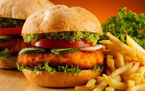 Thực phẩm chiên rán, chế biến sẵn thường khó tiêu hóa, không tốt cho dạ dày