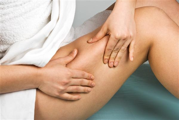 Sưng đau chân dấu hiệu cảnh báo ung thư cổ tử cung