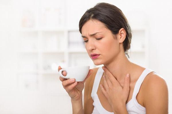 Ợ hơi, ợ chua là một trong những triệu chứng thường gặp khi bị trào ngược dạ dày