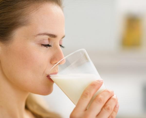 ung thư vú có uống sữa được không