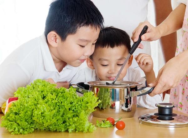 Người bệnh viêm đại tràng nên ăn nhiều rau củ quả, chế biến chín kỹ