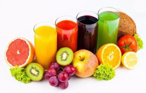 Những loại nước ép từ trái cây như dưa hấu, thăng long, bơ, cam... có độ ngọt tự nhiên, vừa phải và dễ uống, rất tốt cho người ung thư lưỡi.