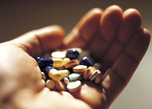 Điều trị nội khoa phổ biến cho người mắc trào ngược dạ dày