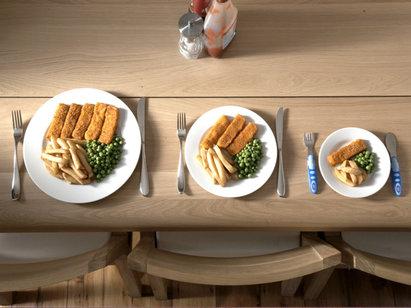 Chế độ ăn uống để tăng cân cho người bệnh ung thư nên bao gồm nhiều bữa ăn nhỏ trong ngày, đầy đủ dưỡng chất