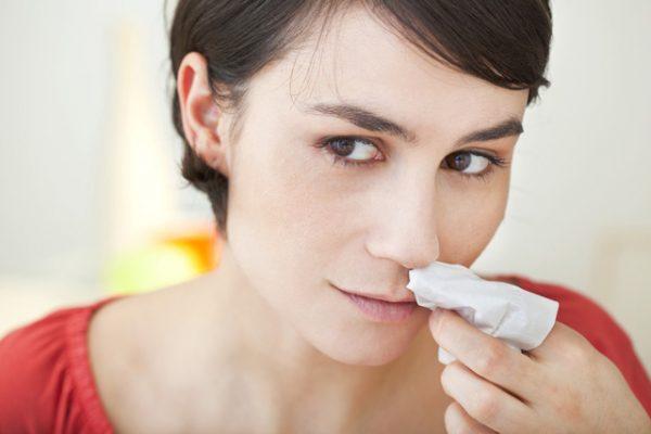 Triệu chứng ung thư mũi xoang bao gồm: nghẹt mũi 1 bên