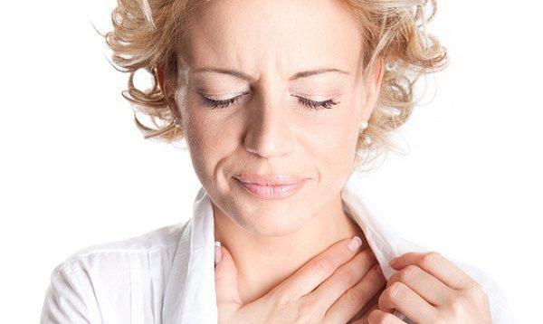 Nuốt nghẹn là một trong những triệu chứng ung thư vòm họng điển hình