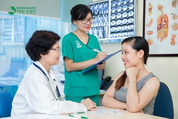 Người bệnh cần đi khám để bác sĩ chẩn đoán chính xác tình trạng sức khỏe và tư vấn phương pháp điều trị phù hợp