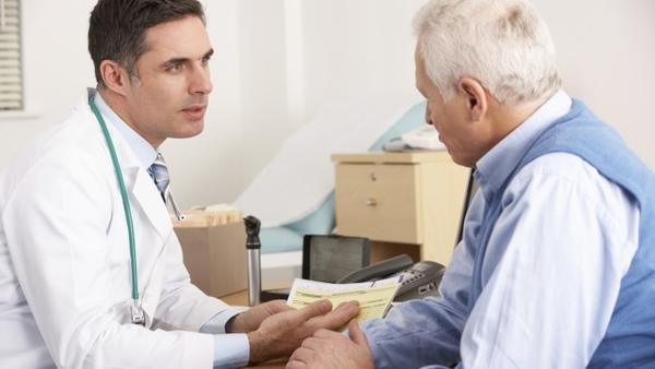 Thăm khám bác sĩ ngay nếu có biểu hiện bất thường là việc làm cần thiết