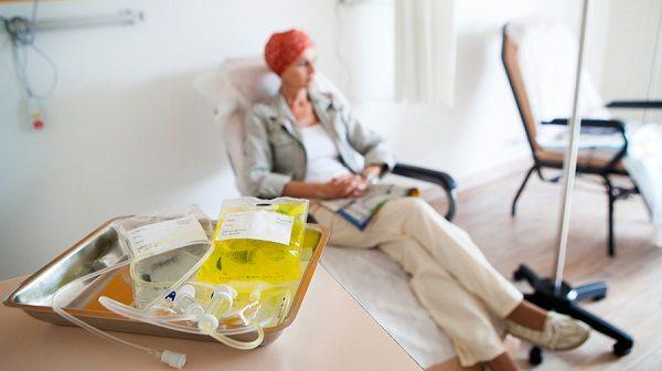 Hóa trị ung thư có những tác dụng phụ nhất định