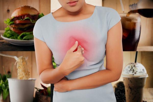 Tình trạng ợ chua và ợ nóng kéo dài có thể gây ảnh hưởng tới sức khỏe, nghiêm trọng nhất là ung thư thực quản