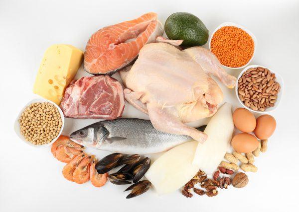 Người bệnh cần bổ sung nhiều thực phẩm giàu đạm, protein, axit béo omega-3...