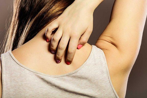 Bilirubin tích tụ trong máu gây triệu chứng vàng da ở bệnh nhân