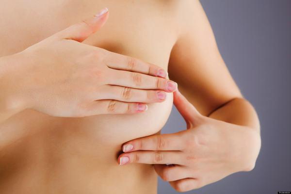 Tùy vào từng trường hợp bệnh cụ thể của u nang tuyến vú, bác sĩ sẽ tư vấn phương pháp chữa trị phù hợp
