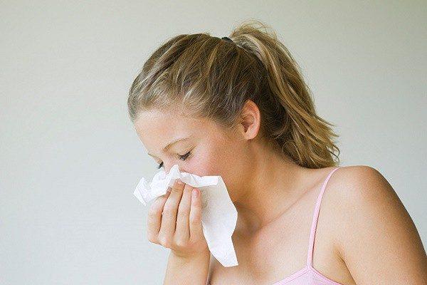 Viêm mũi xoang cũng là một trong những nguyên nhân có thể dẫn đến viêm họng hạt
