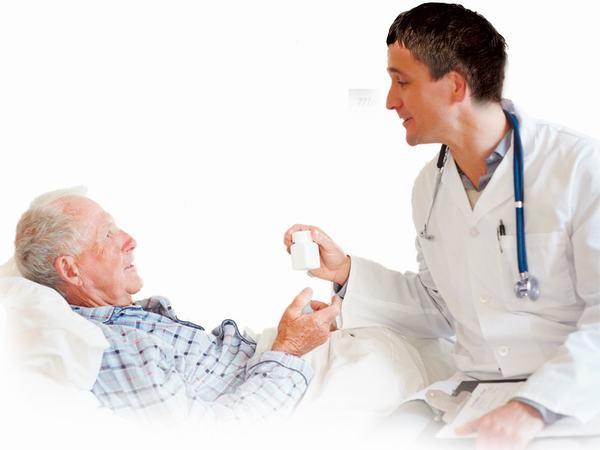 Việc nghỉ ngơi đúng cách và tuân thủ theo chỉ định của bác sĩ sẽ giúp kiểm soát và giảm biến chứng sau mổ