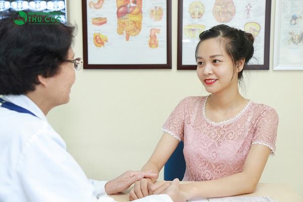 Người bệnh cần đi khám để bác sĩ chẩn đoán và tư vấn phương pháp chữa trị phù hợp