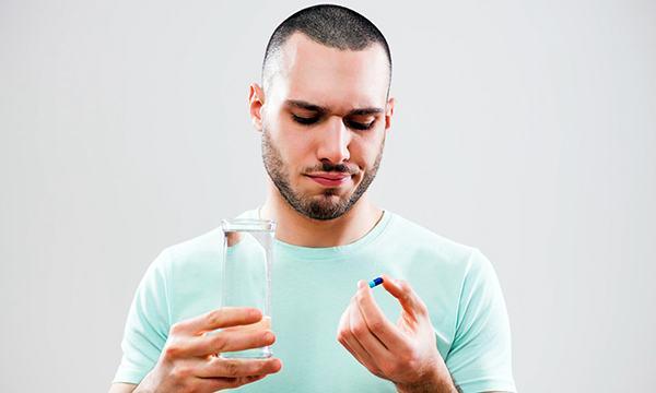 Người bệnh có thể uống thuốc điều trị bệnh theo chỉ định của bác sĩ